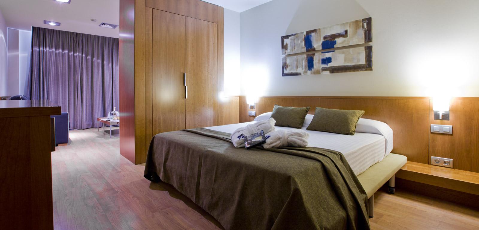 Habitaci n jacuzzi suite hotel sb bcn events web oficial for Chambre de parade
